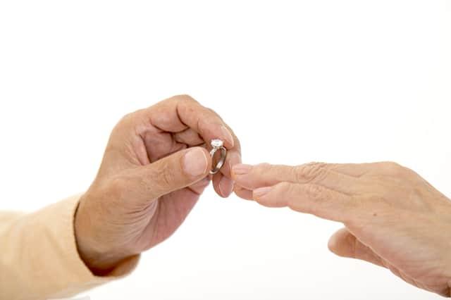 熟年離婚からの再婚で回避したいトラブル 子連れ・子なしの違い