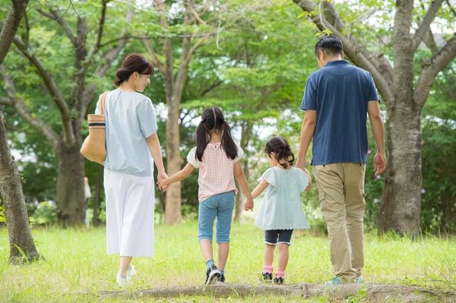 ステップファミリーとは 子供連れの再婚で起こりやすい問題、崩壊を防ぐ方法