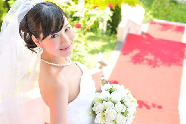 結婚が早い女性・遅い女性の特徴 どちらがメリットが多い?